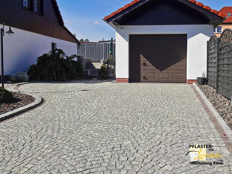 Garageneinfahrt asphalt  Pflasterbau